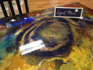 Resin Table and Chairs! Kitchen or dining room!